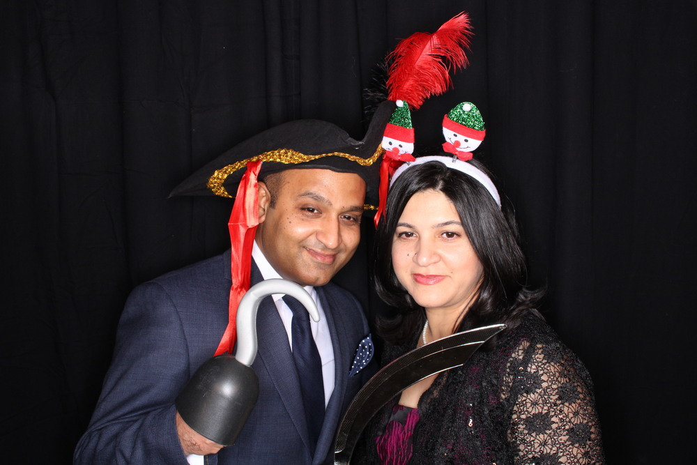 Guest House Events Photo Booth Sapient Holiday Party Originals (51).jpg