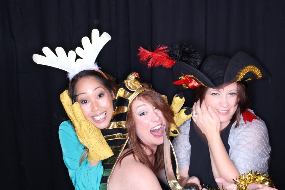 Guest House Events Photo Booth Sapient Holiday Party Originals (79).jpg