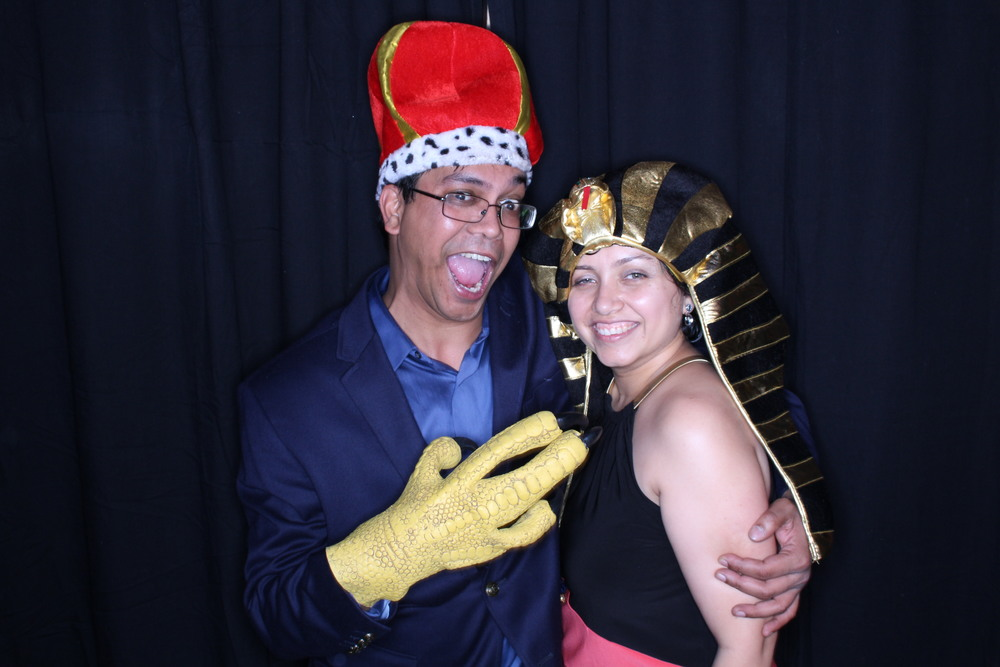 Guest House Events Photo Booth Sapient Holiday Party Originals (198).jpg