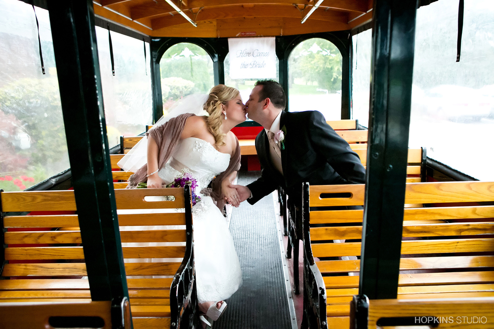 wedding-photo-Sunset-Trolley_38.jpg