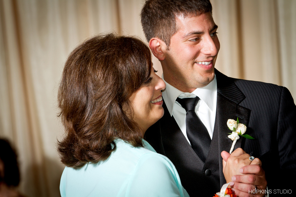 wedding-photography-Windsor-Park-Conference-Center-South-Bend-Indiana_37.jpg
