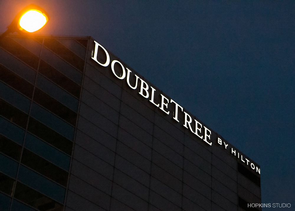 wedding-photography-Double-Tree-by-Hilton-South-Bend-Indiana_06.jpg