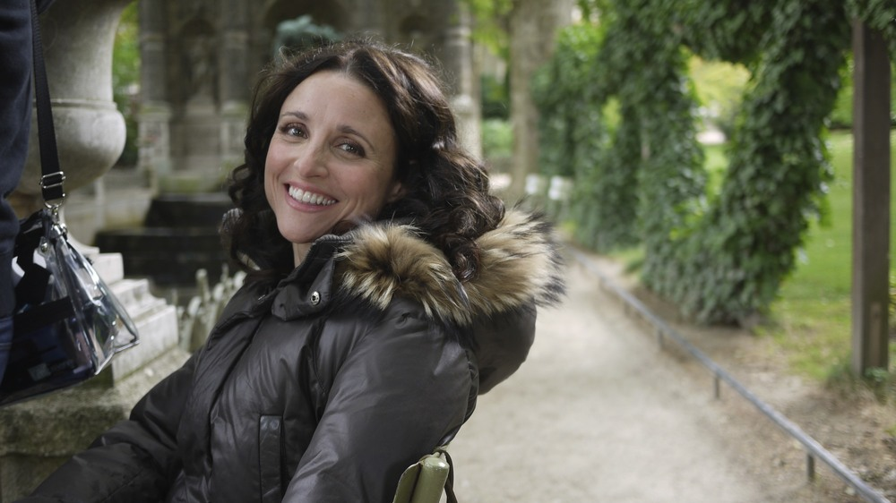 Julia between takes at Luxembourg Garden