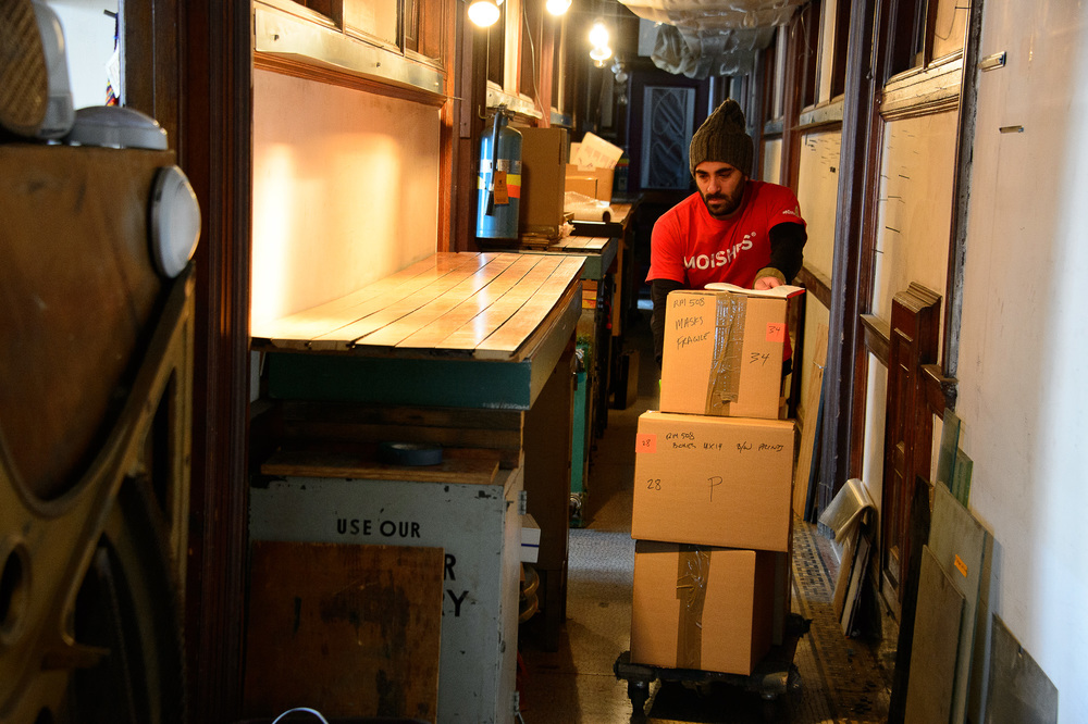 0115_Moving190.jpg