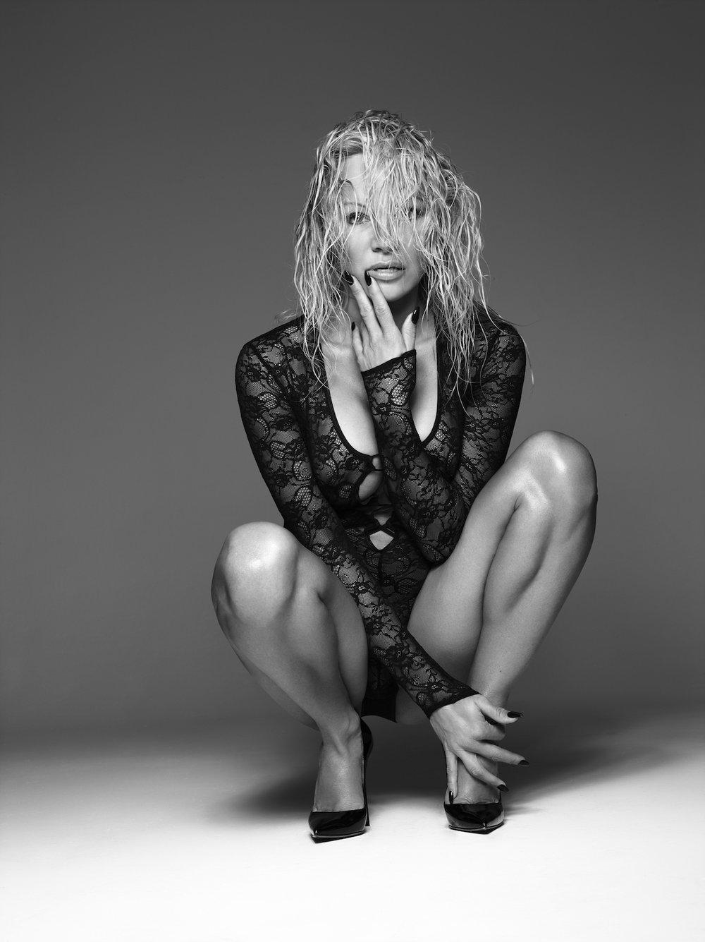 Coco-de-Mer-Pamela-Anderson-Icons-Minerva-4.jpg