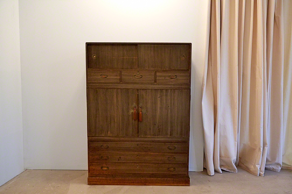 The original life-size armoire made of Paulownia wood seen also in micro in large photograph above