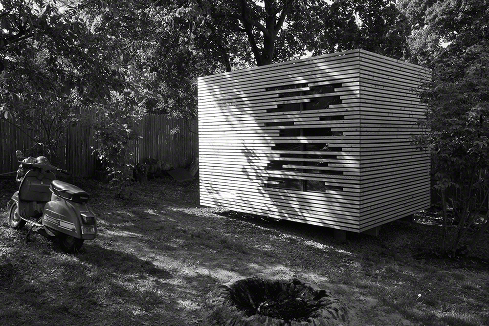 A backyard sculpture? No, just a very cool sauna designed by Sam Bargetz, Lodingdock 5