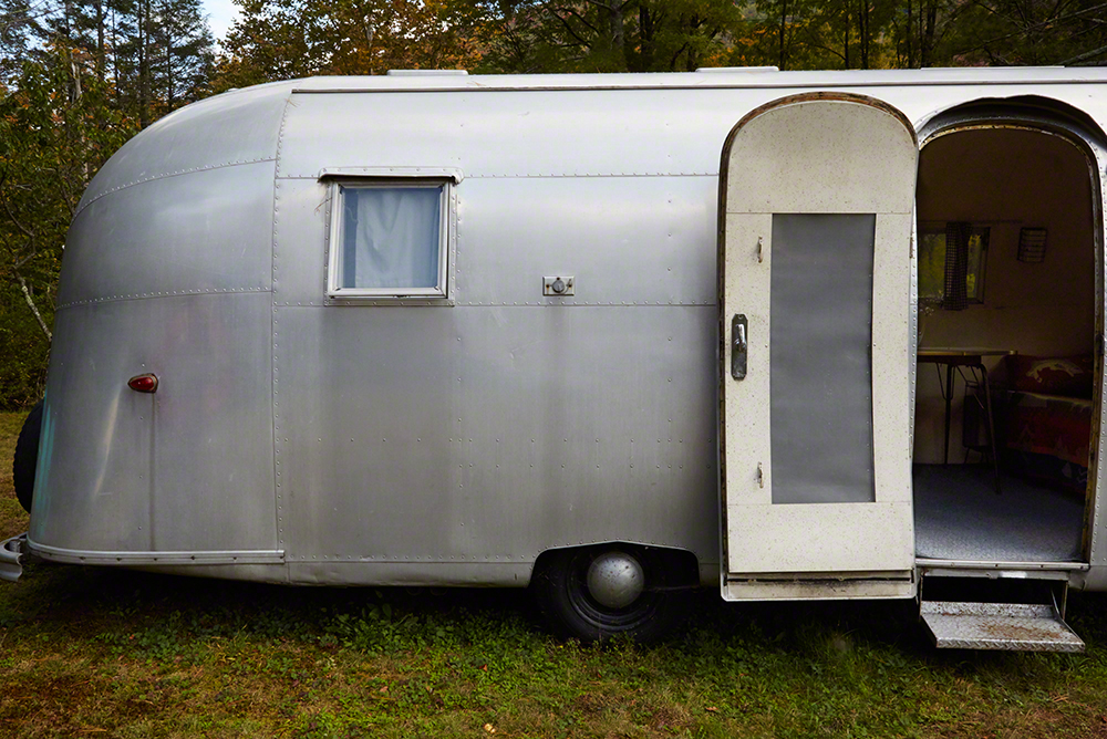 The 1959 Airstream Caravanner.
