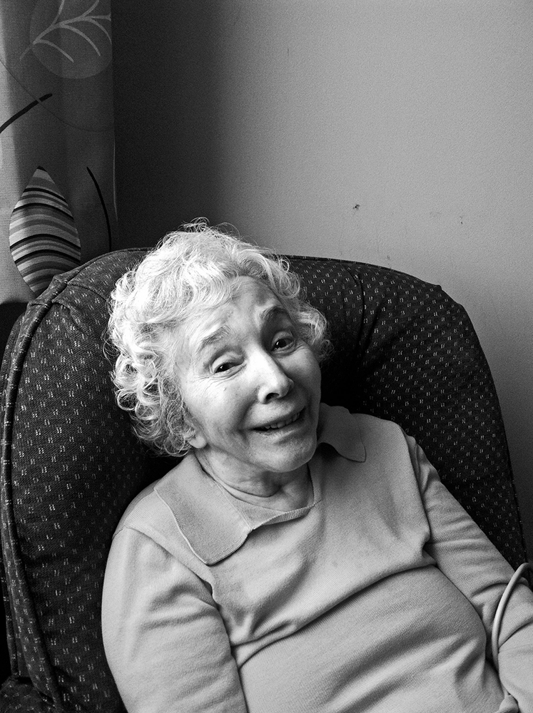 Phyllis, Tama's Mother, in 2014. Photo courtesy of Tama Janowitz.