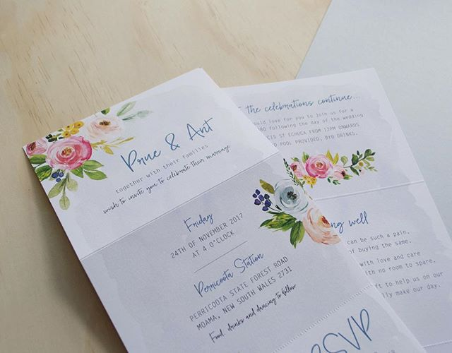 One of my favs for the year... Three panel floral and watercolour invitation for Prue and Ant 💕