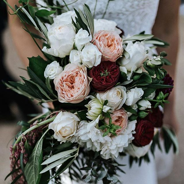 In love with this beautiful bouquet from Latina and Michael's wedding featured on Ivory Tribe @marniehawsonweddings @theflowershed.au • • • • • #florals #bridesbouquet #wedding #blooms #pastel #roses #greenery #graphicdesign #weddingstationery #australia #wedding #invitations #creative #design #interiordesign #smallbusiness #style #realwedding #ivorytribe