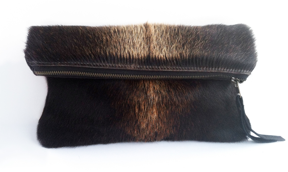 folded_clutch_brown