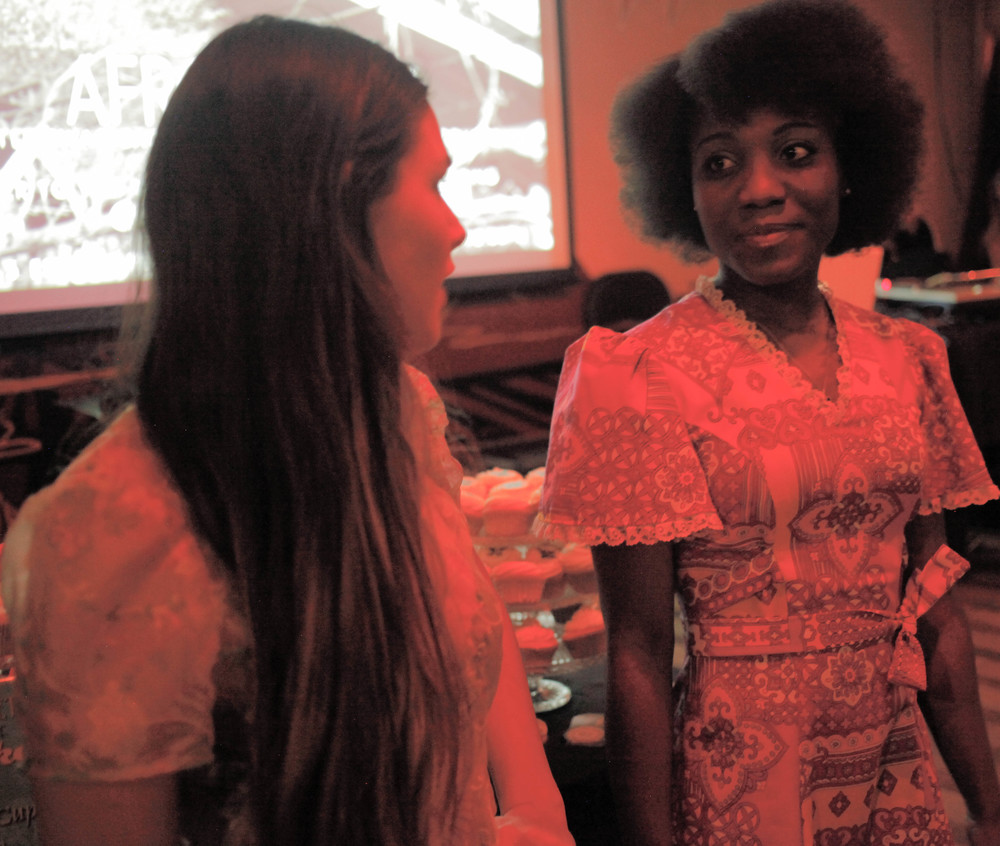 Afrobeatnik models Katy (left) and Clementine (right).