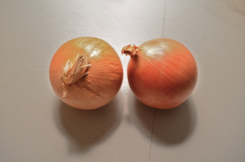 2 white onion buddies.