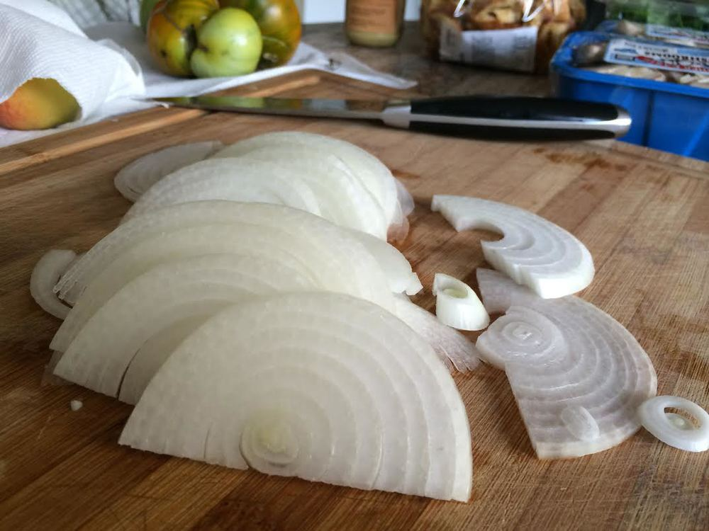 sliced onion.jpg