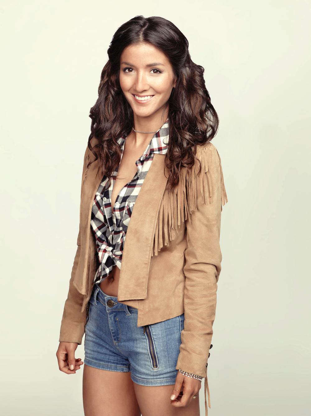 Eréndira Ibarra como Alison Varela_001.jpg