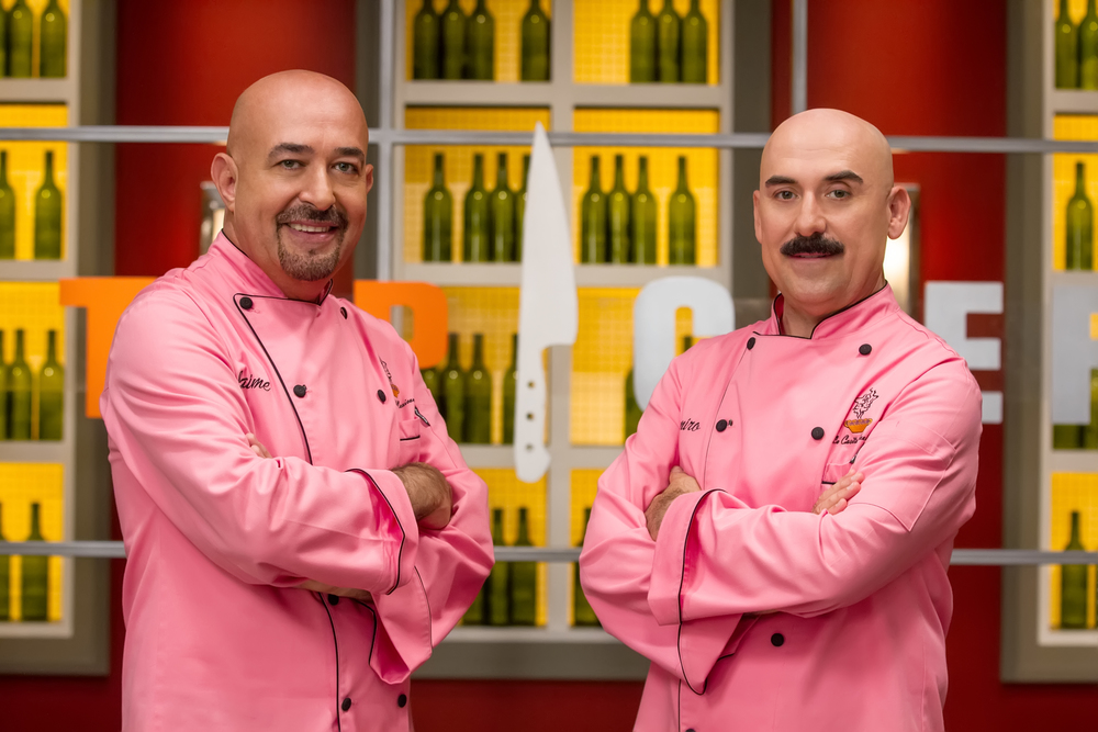 TOP CHEF ESTRELLAS -- Season:1 -- Pictured: (l-r) Jaime Martin del Campo, Ramiro Arvizu -- Photo by: Francisco Aguila/Telemundo