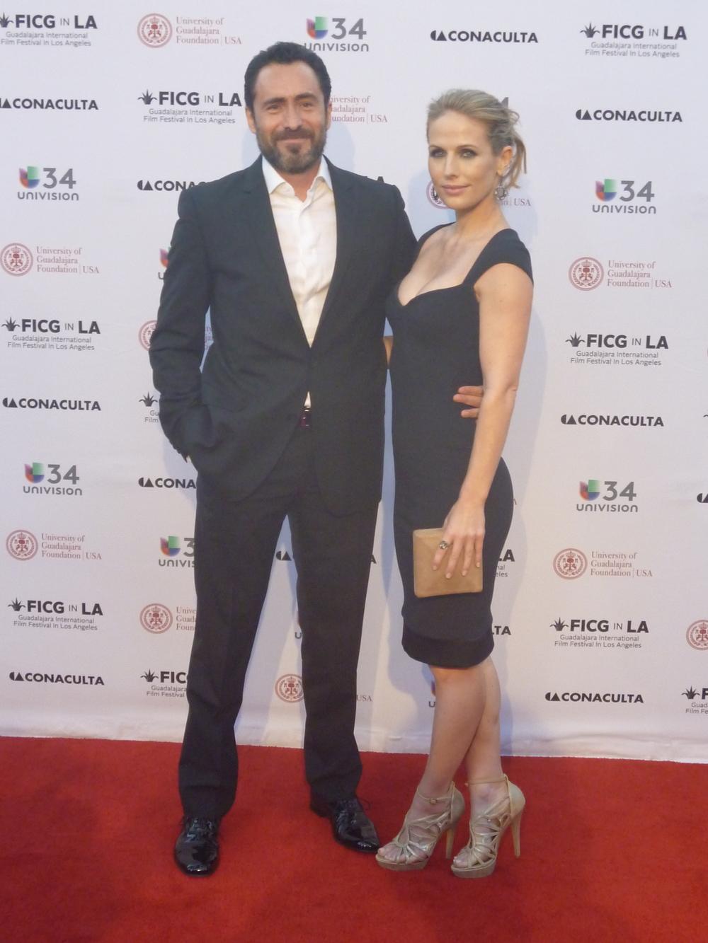 Damian Bichir y su novia.JPG