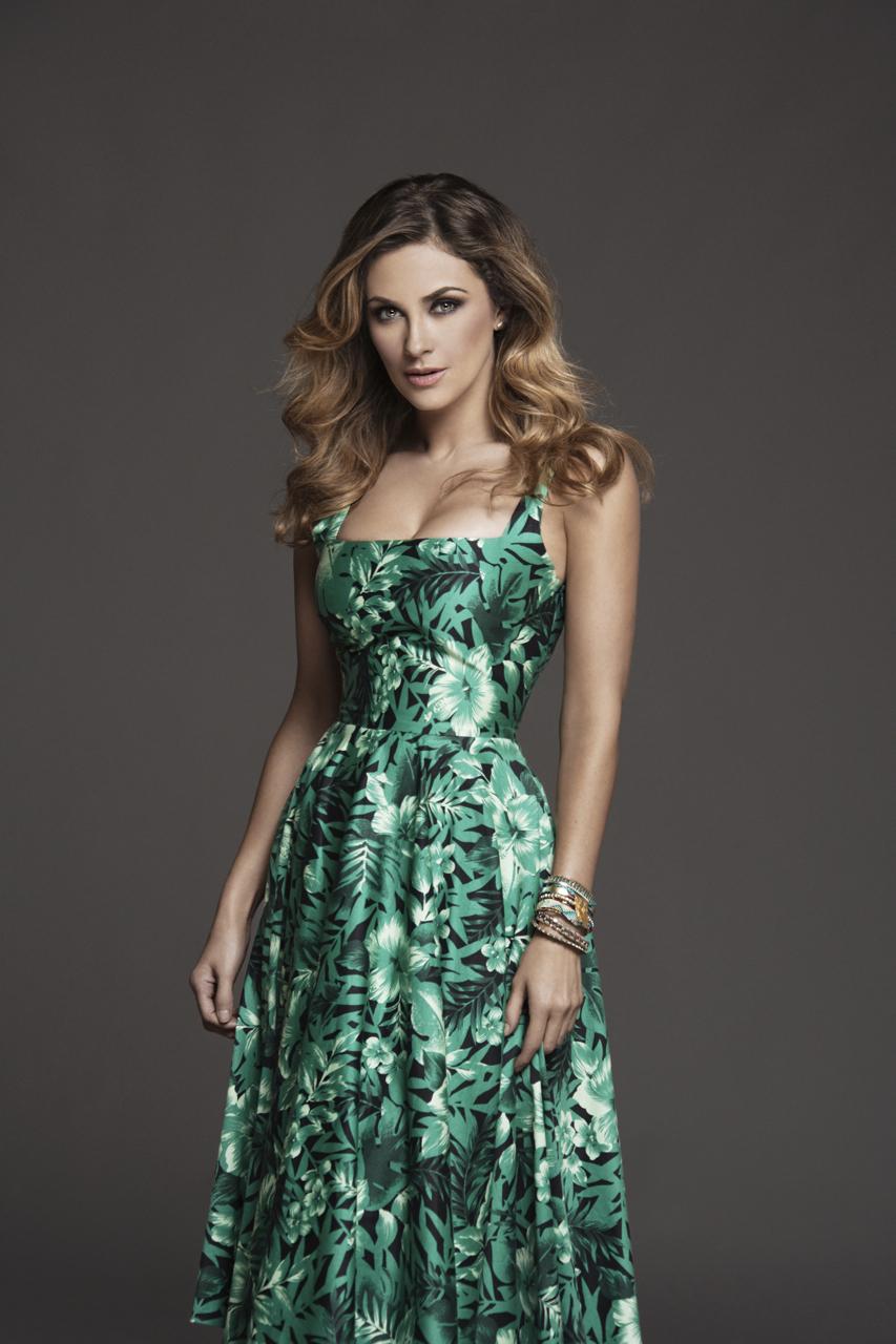 Aracely Arámbula como Lucia Duran_Lucha_03.jpg