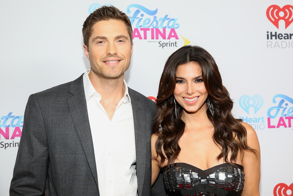 MIAMI, FL - NOVEMBER 07: Actor Eric Winter and actress Roselyn Sanchez attend iHeartRadio Fiesta Latina presented by Sprint at American Airlines Arena on November 7, 2015 in Miami, Florida.  (Photo by Aaron Davidson/Getty Images for iHeartMedia) *** Local Caption *** Eric Winter;Roselyn Sanchez