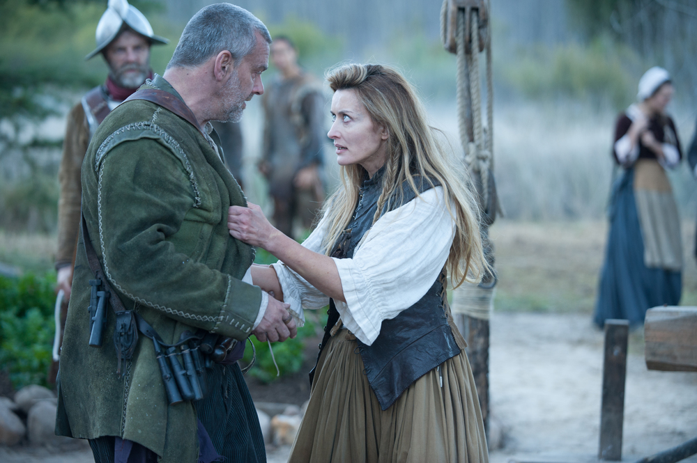 "Ray Stevenson as Stephen Hopkins, left, and Natascha McElhone as his wife Elizabeth Hopkins in National Geographic Channel's two-night movie event ""Saints & Strangers,"" premiering Nov. 22-23, 9/8c.