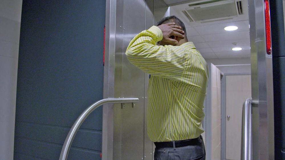 El detenido pasa por Body Scan.jpg.jpg