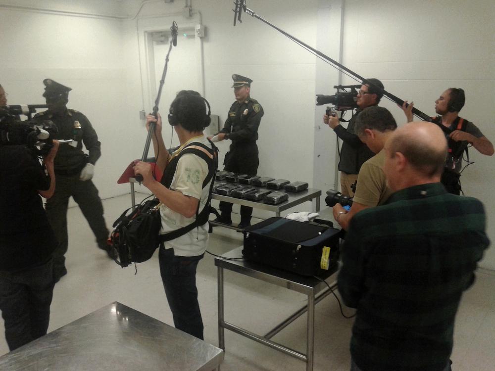 La policía encuentra un cargamento de droga.jpg