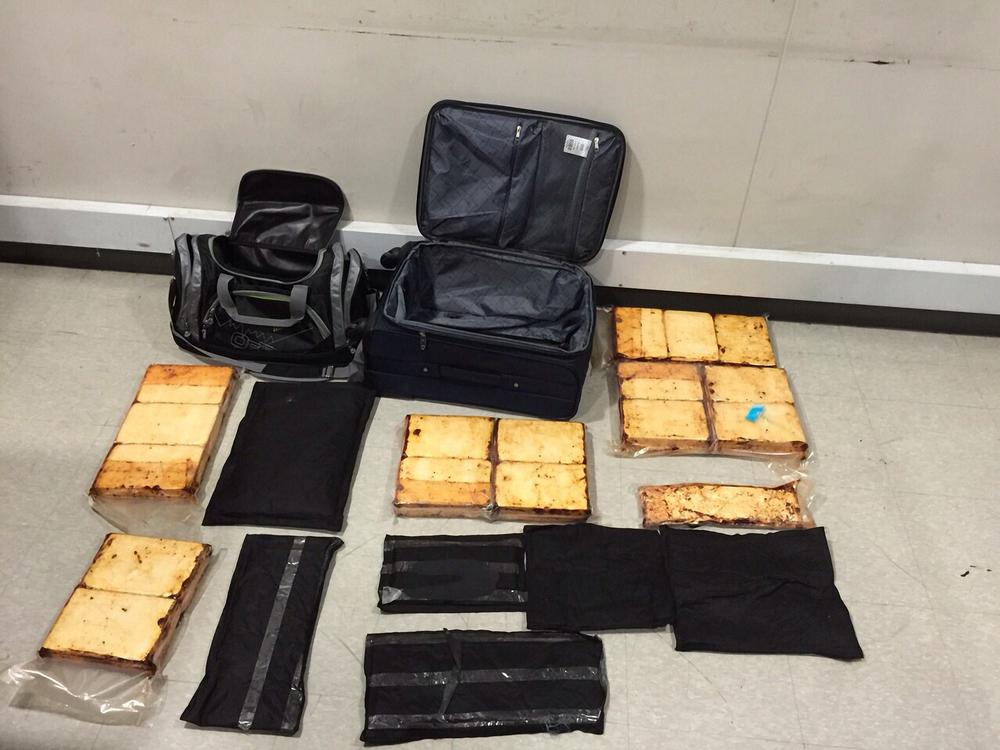 Cargamento de 25 kg de droga.jpg