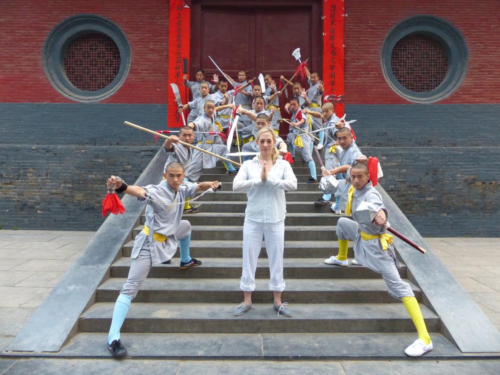 Julie_jeunes moines shaolin_KungFu.JPG