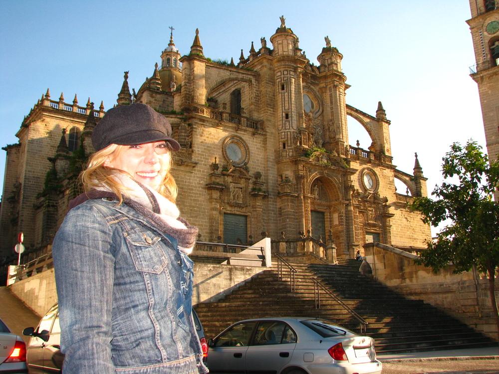 Julie_Equestre_cathedrale.JPG