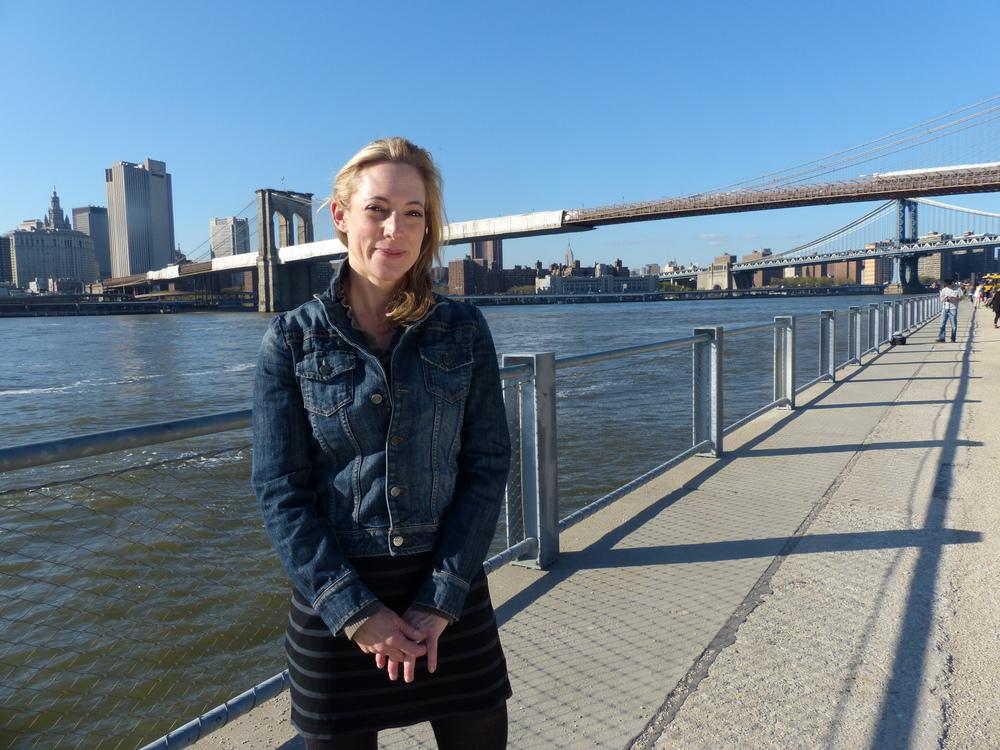Julie_pont_NYC.JPG