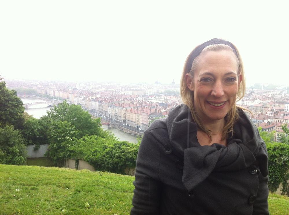 Julie_Lyon_de_loin_Humanitaire.JPG