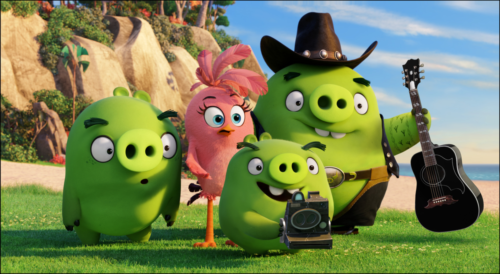 Ross (Tony Hale), Stella (Kate McKinnon), Photog (Tituss Burgess) and Earl (Blake Shelton) in Columbia Pictures and Rovio Animation's ANGRY BIRDS.