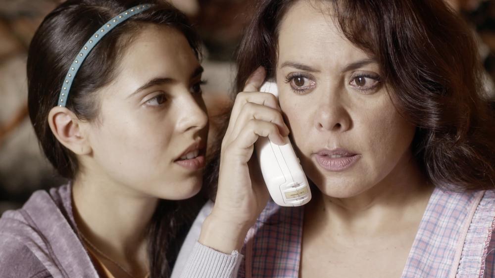 LQDC_Arantza Ruiz como Cristina Acosta y Carmen Madrid como Mariela Acosta_001.jpg