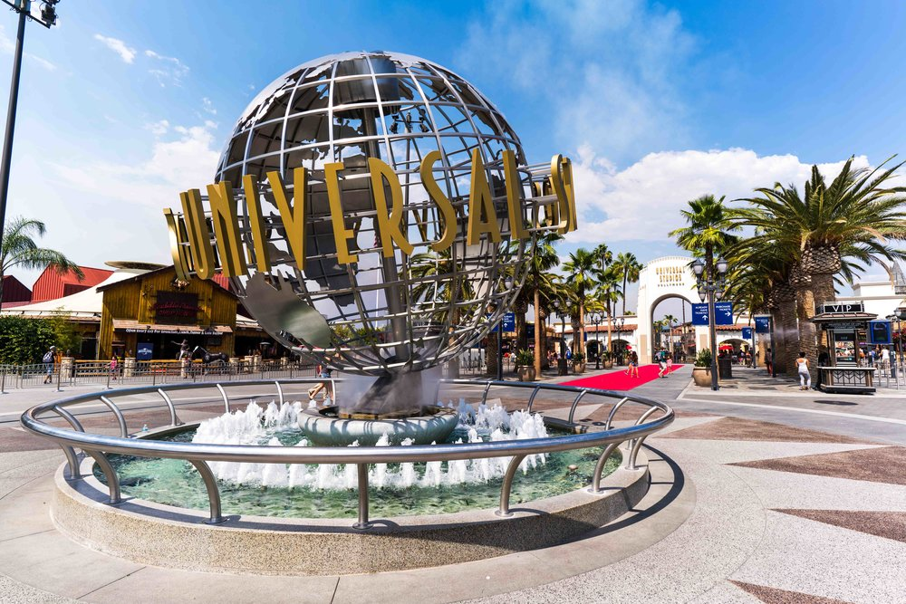 Universal Studios Hollywood globe entrance.jpg