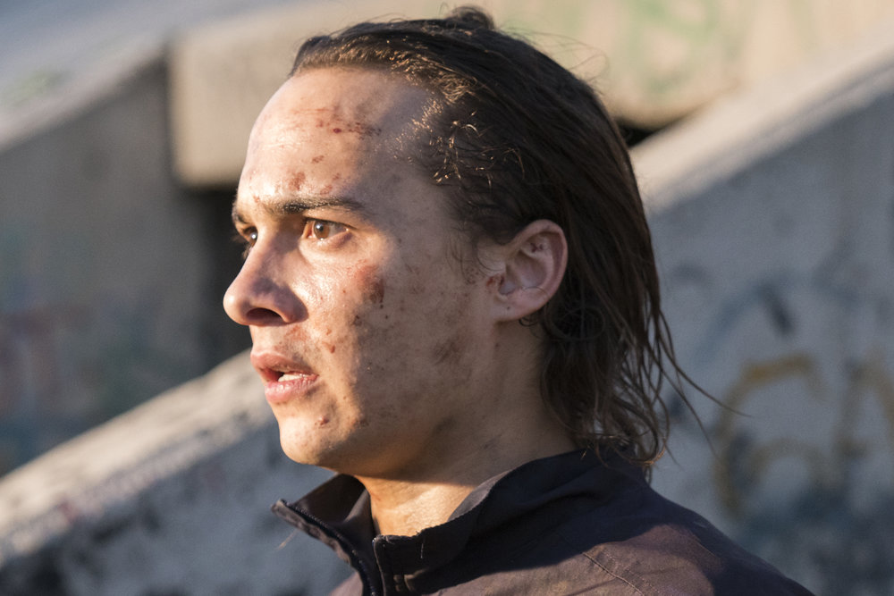 Frank Dillane as Nick Clark - Fear the Walking Dead _ Season 3, Episode 1 - Photo Credit: Michael Desmond/AMC