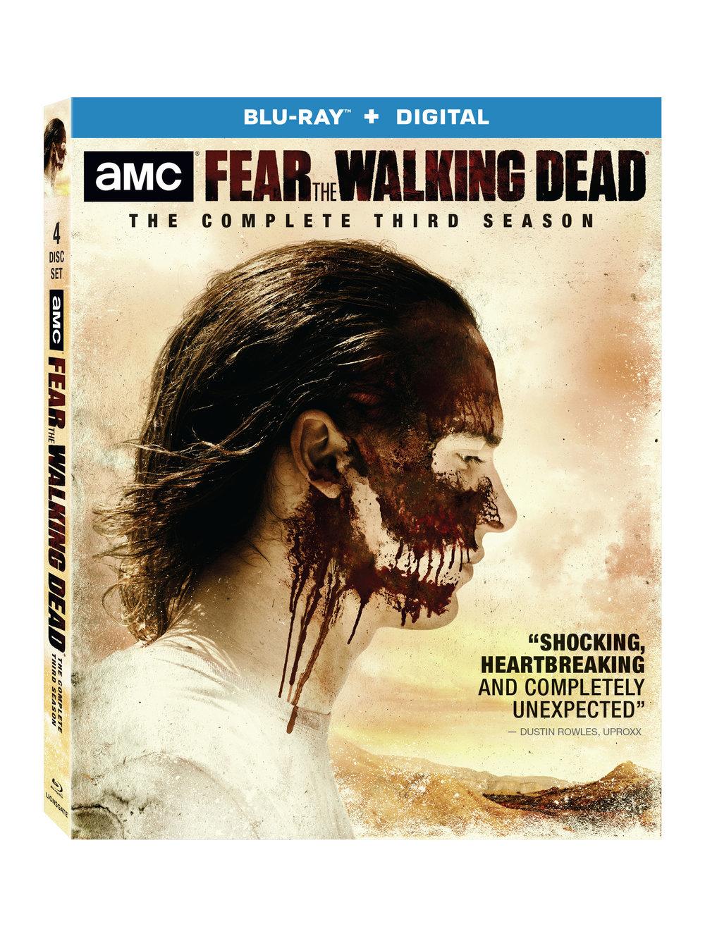 """SANTA MÓNICA, CA (16 de enero de 2018) – El engaño puede alzarse como un enemigo mortal cuando la tercera temporada de """" Fear  the Walking Dead"""" – el acompañamiento perfecto a """"The Walking Dead"""", la mejor serie televisiva por cable– desembarque en Blu-ray (más Digital HD) y DVD el 13 de marzo de la mano de Lionsgate. En pleno colapso de la sociedad, las familias deberán aliarse para sobrevivir al apocalipsis y luchar contra las amenazas que se les presentarán por todos los frentes. Considerada como """"la mejor temporada completa hasta la fecha"""" ( Forbes ), la tercera temporada de """" Fear the Walking Dead"""" está protagonizada por Kim Dickens ( Miss Peregrine's Home for Peculiar Children, Gone Girl ), Cliff Curtis ( Risen, The Dark Horse ), Frank Dillane (""""Sense8"""", Harry Potter and the Half-Blood Prince ) y Alycia Debnam-Carey ( Friend Request ).    Cuando  """"Fear the Walking Dead"""" regrese en una tercera temporada, las familias tendrán que mantenerse unidas en una vibrante y violenta zona de transición de la frontera entre México y Estados Unidos. Con las fronteras internacionales completamente borradas tras el final del mundo, nuestros personajes tratarán de reconstruir la sociedad y también sus familias.      El lanzamiento para el entretenimiento en el hogar de  """"Fear the Walking Dead"""" Season 3 viene con audiocomentarios y escenas extendidas y eliminadas. """" Fear  the Walking Dead"""" Season  3   estará disponible en Blu-ray (más Digital HD) y DVD por el precio sugerido de venta de $44.99 y $39.98, respectivamente.     CONTENIDO ESPECIAL DEL BLU-RAY / DVD   Audiocomentarios  Escenas Eliminadas & Extendidas"""