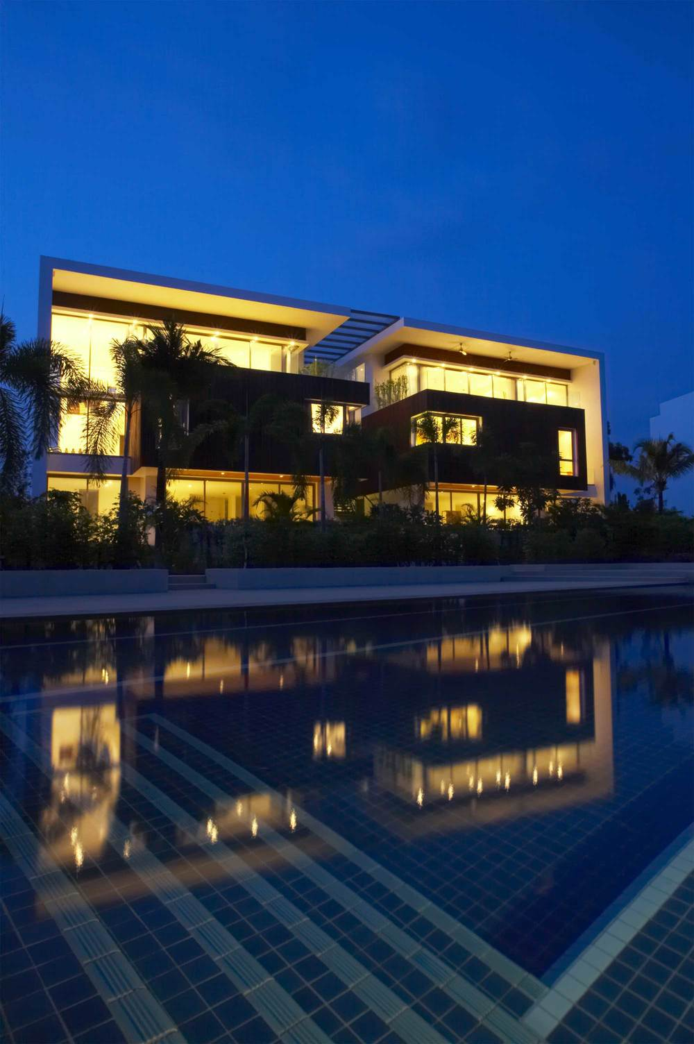 RUBI-Landscape-Design-Modern-Pool-Design-Night.jpg