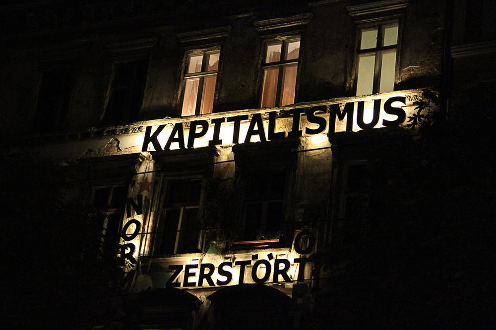 17_Kapitalism_Is_Dead_10-13.jpg
