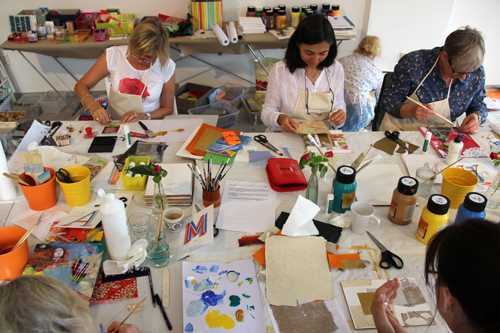 Incorporate Art in Your Child through Art Workshops