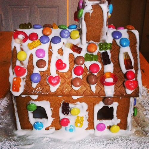 stephanie.levy.gingerbread.house