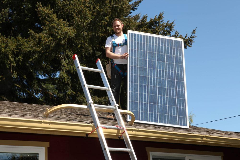 2-Mighty_House_Solar_demo.jpg