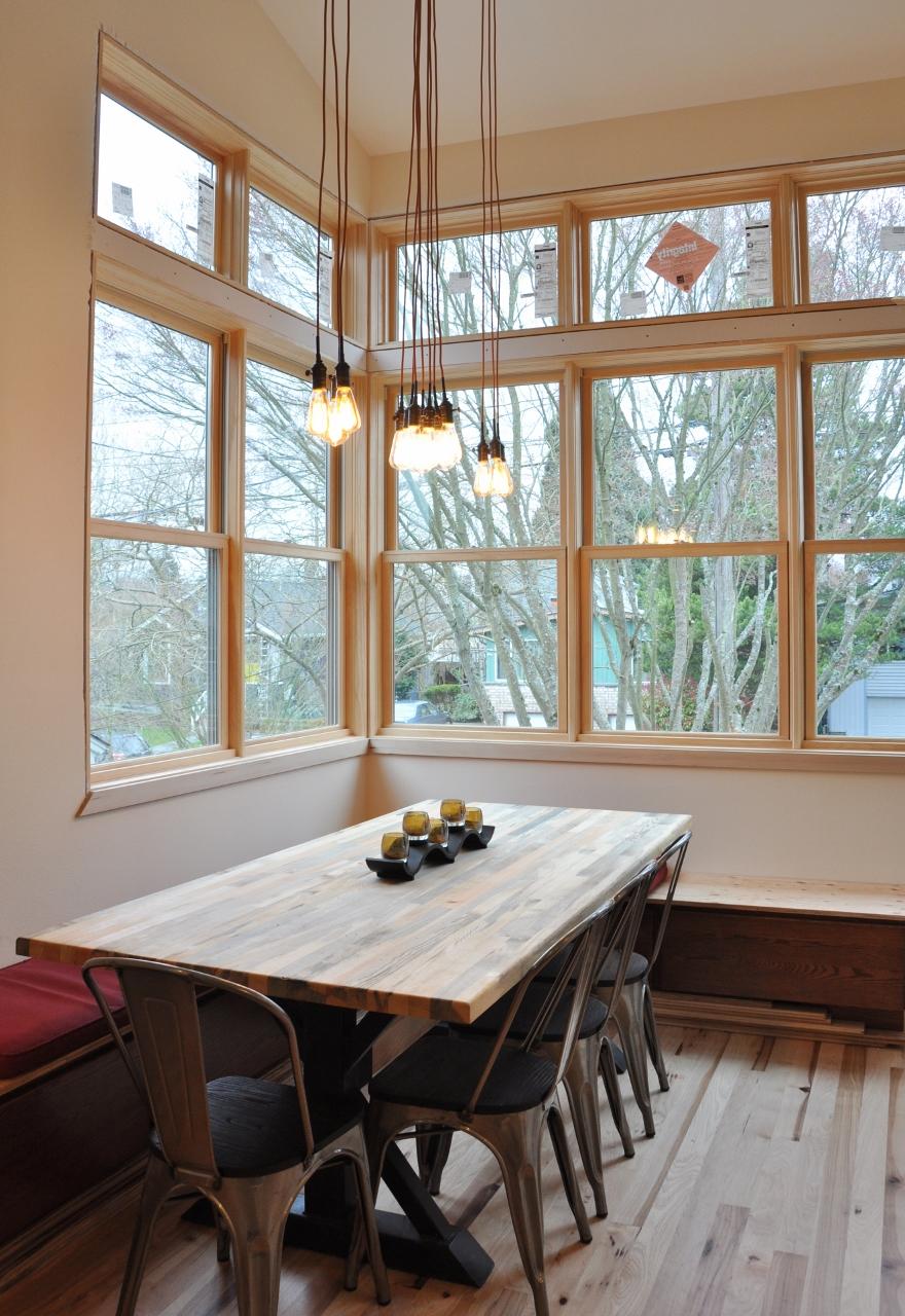 Moscheck interior1 Dining (880x1280).jpg