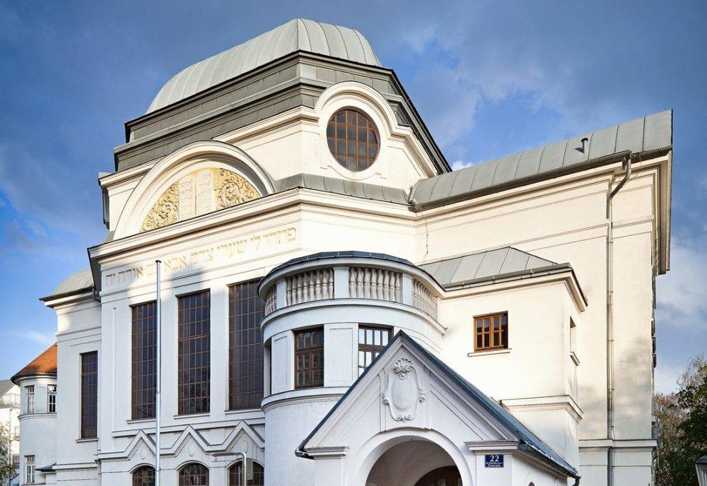 synagoge_aussen-1030x709.jpg