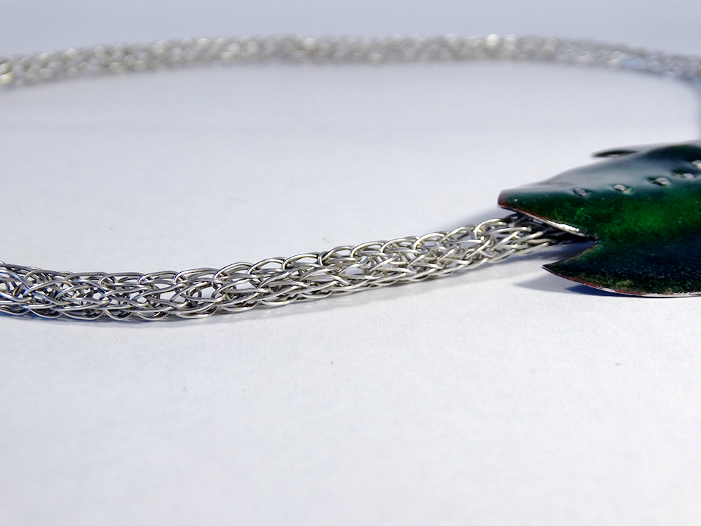 (detail) Necklace - Pair of Leaves