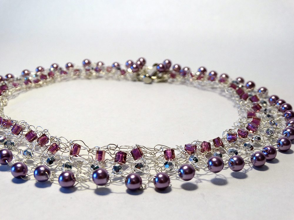 (detail) Necklace - Purple Pearls