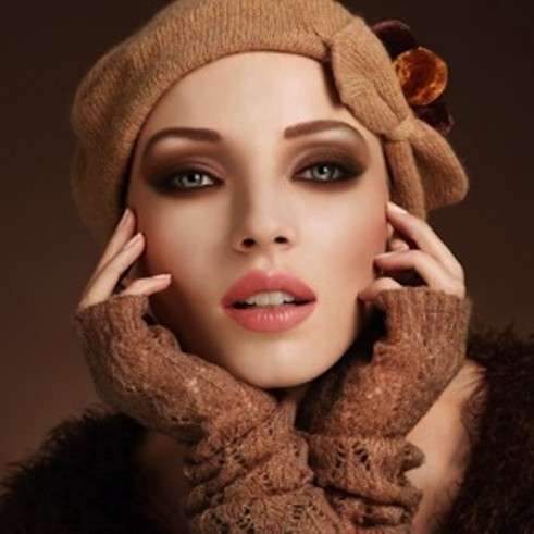 Kim-Kardashian-Midweek-Makeup-Autumn-Colors-006-491x491.jpg