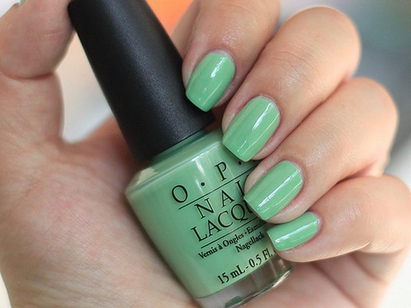 Cute-Mint-Green-Nail-Polish.jpg