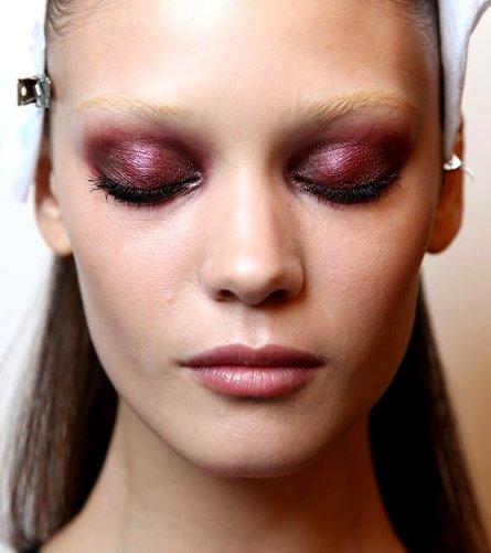 gallery_big_bold-colored-eyeshadow-trend.jpg