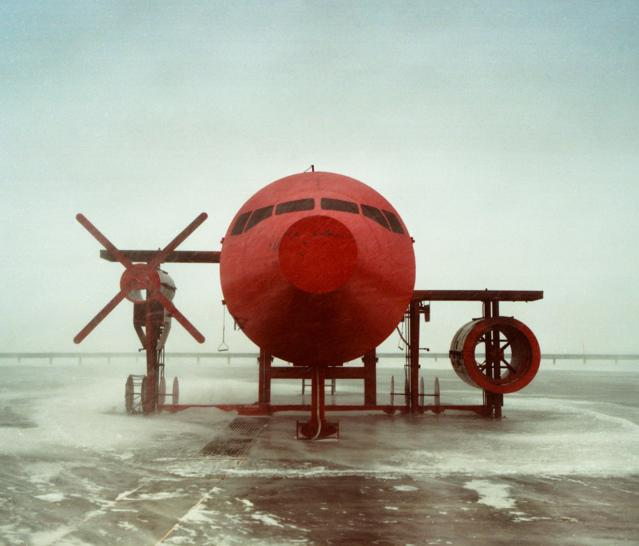 Reuben Wu,Red Plane, Svalbard